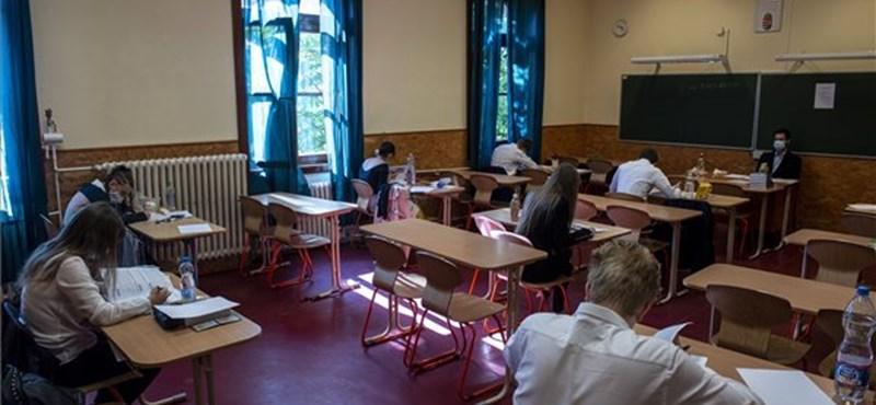 Aktuális feladatokat kaptak a ma vizsgázó nyolcadikosok magyarból