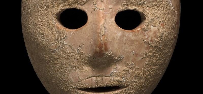 Találtak egy 9000 éves kőmaszkot – videó