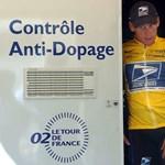Tiszeker: Armstrong tíz éven át hazudozott és fűt-fát beperelt