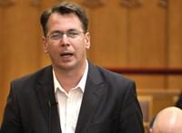 Kilép a Jobbikból Mirkóczki Ádám