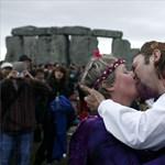 Újra nyugodtan dobolhatnak a druidák Stonhengenél