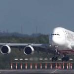 Elképesztő bravúrral landolt a viharban az Emirates pilótája – videó