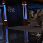 Ryan Gosling karját élő adásban törte el egy néző