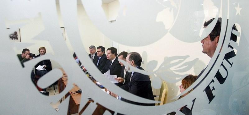 Fitch: kulcsfontosságú az IMF-megállapodás Magyarországnak