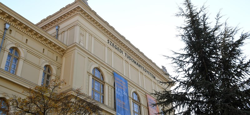Döntöttek a szenátusok: Alapítványi fenntartásba kerülhet a Szegedi és Pécsi Tudományegyetem