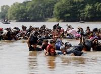 Vízbe fulladt egy salvadori menekült és 23 hónapos gyermeke