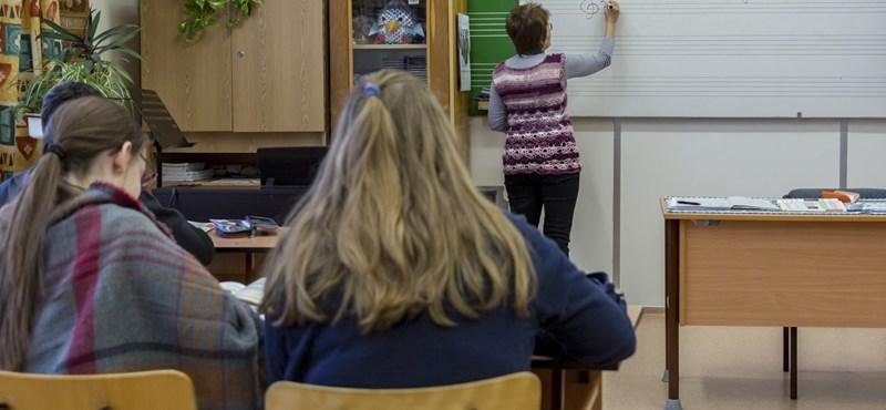 Megszavazták: tovább államosítják a közoktatást