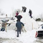 Fotók: hatalmas hókupacnak tűnik a rekordméretű hóember