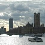 Londonban a vizen is lehet majd járni
