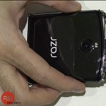 Nem lesz könnyű javítani: szétszedték a Motorola összecsukható okostelefonját – videó