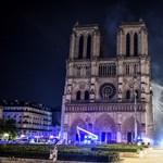 Megmentették a tűzoltók a Notre-Dame legnagyobb értékeit