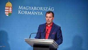 Szlávik: Szigorítani kellene a maszkhasználatot