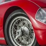 Látta már ezt a szuper sportos Skodát, amit sokan Ferrarinak hisznek?