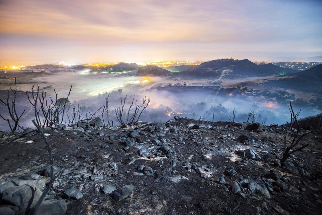 epa.14.05.16. - San Marcos, Kalifornia, USA: erdőtűz után