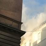 Szagelszívó okozhatta a tüzet a DK irodáiban