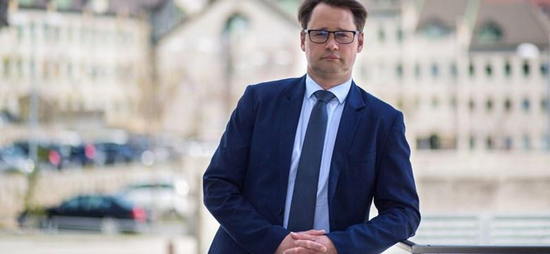 Jakab Ferenc: A tünetmentes, de épp fertőzött személy is megkaphatja az oltást