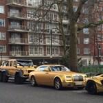 Nem elég, hogy aranyozottak ezek szuperautók, de tilosban is parkolnak