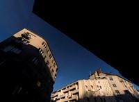 A küszködő lakáshitelesek lerohanták a mentőprogramot kapuzáráskor
