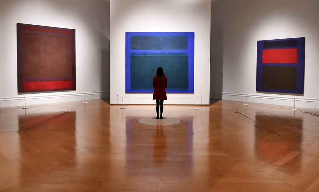 mti.16.09.20. - Mark Rothko amerikai művész festményei az Absztrakt expresszionizmus című kiállítás sajtóbemutatóján a londoni Királyi Művészeti Akadémián 2016. szeptember 20-án, négy nappal a megnyitó előtt.