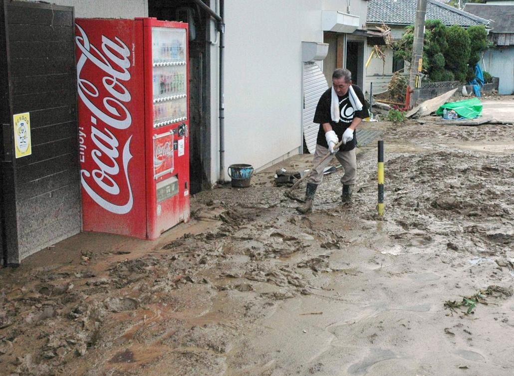 Japán tájfun természeti katasztrófa