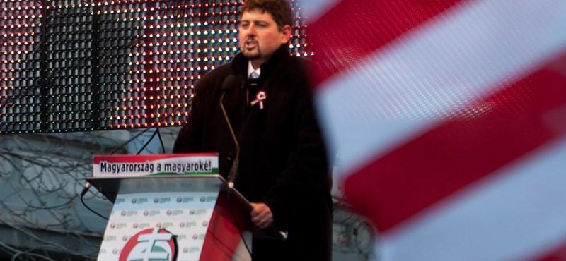 Szegedi Csanád lemond Jobbikos tisztségeiről