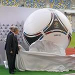 Bemutatták a Tangót, az Eb hivatalos labdáját Budapesten