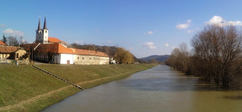 Átrajzolják a magyar-szlovák határt