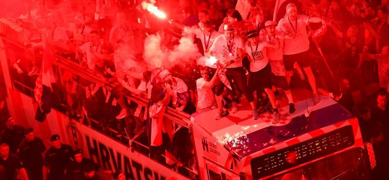 Nem áll jól a horvát válogatottnak, hogy fasiszta dalokat énekel
