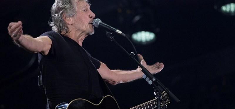 Orbán Viktor után a brazil elnökjelöltet is kiosztotta a koncertjén Roger Waters