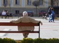 Hivatalos: januártól emelkednek a nyugdíjak