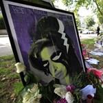 Fotók: Amy Winehouse szülei együtt gyászoltak a rajongókkal