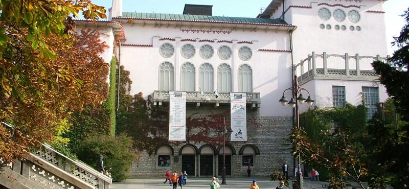 Dagad a botrány a Veszprémi Petőfi Színház körül