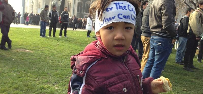 Afgán gyermekeink a parlamentnél