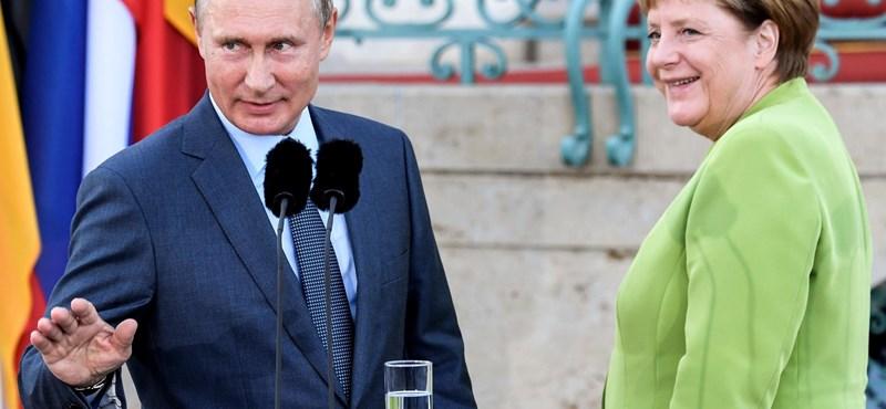 Merkel-Putyin-találkozó: ketten három témáról, másfél hangütésben