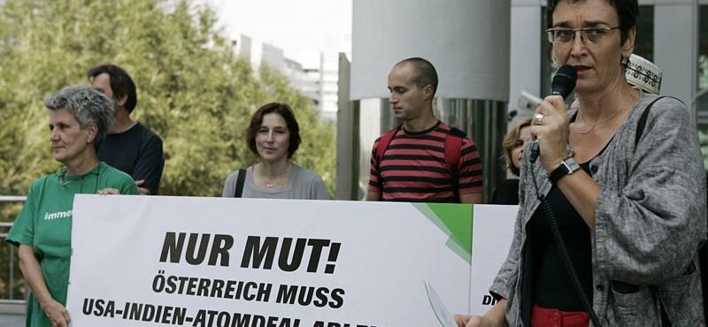 Bayer Zsolt bocsánatot kért az ótvar idiótának nevezett képviselőtől