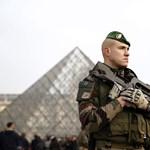 Elkezdett beszélni a Louvre-nál meglőtt machetés támadó