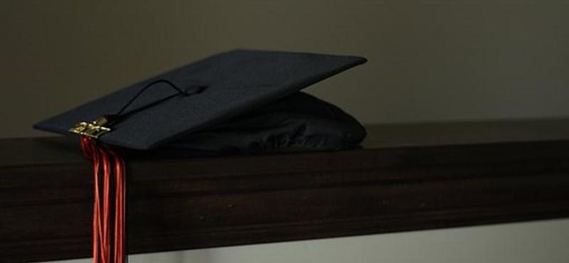 Elkezdődött a nyelvvizsgák nélküli diplomák kiadása