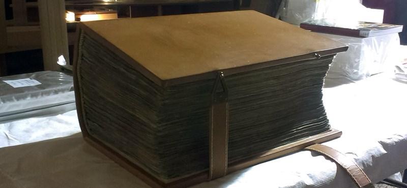 Visszatér a legrégebbi épen maradt latin nyelvű Biblia Nagy-Britanniába