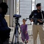 Pakisztán távozásra szólította fel a brit kiképzők egy részét