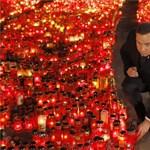Mécsestengerrel emlékeznek a bukaresti tűzvész áldozataira – fotó