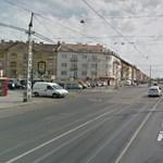 Kocsiajtónak csattanó biciklis: vádat emeltek a zuglói baleset ügyében