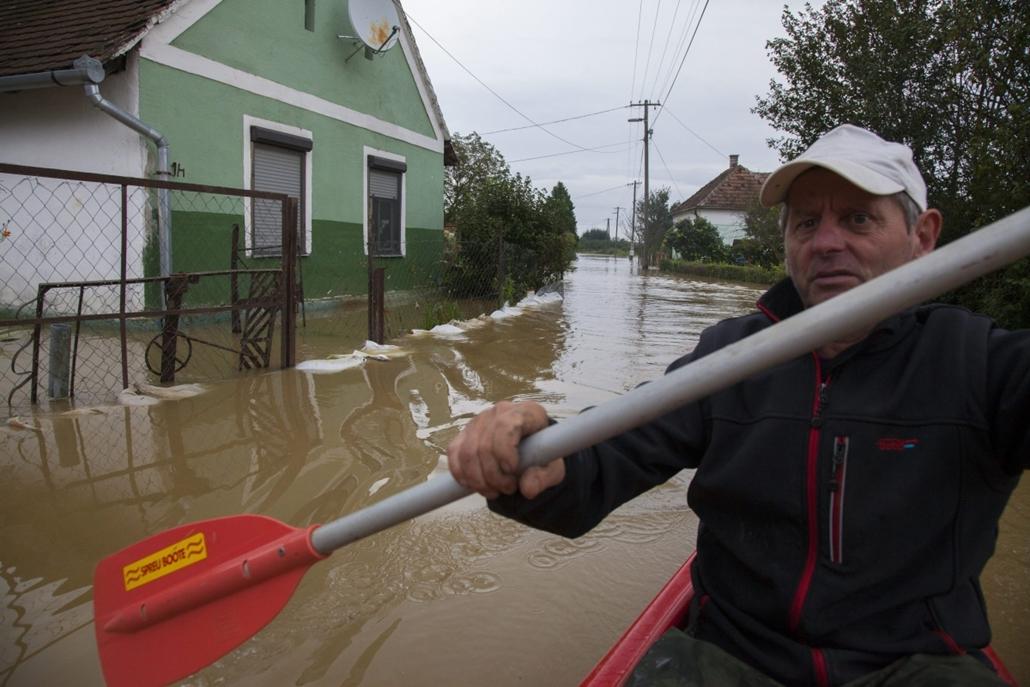 mti.14.09.14. - Csákánydoroszló - árvíz, esőzés, eső
