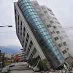 Elég durván néz ki a tajvani földrengésben megdőlt hotel – fotók