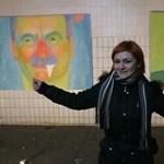 Művész üzen a politikának: sperma csorog a kormányfő és az elit szájából