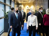 Trece países de la Unión Europea ya están en camino hacia los fondos de recuperación, pero Hungría aún no lo ha hecho.