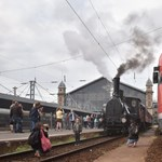 Mozdonyfüstös nosztalgia: ünnepi zötyögés Pestről Szolnokra