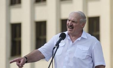 """Lukasenka nem adja át a hatalmat, mert """"nem ezért választották meg"""""""