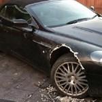 Kutya rágott szét egy Aston Martin DB9-est – fotó
