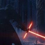 Beindult a mémgyár: íme a legjobb mémek a Star Wars új fénykardjáról