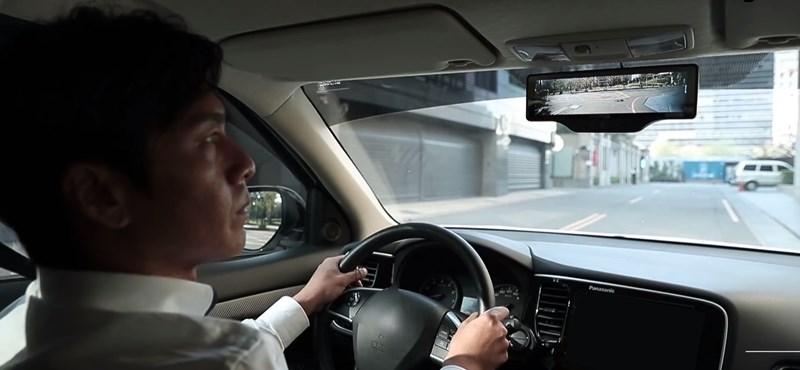 Ha ilyen tükör van a kocsijában, nincs pont, amit ne látna be